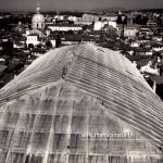 Il tetto della Loggia, la chiesa della Pace e la torre della Pallata