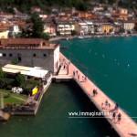 Fotografia aerea della passeggiata lungo lago di Salò